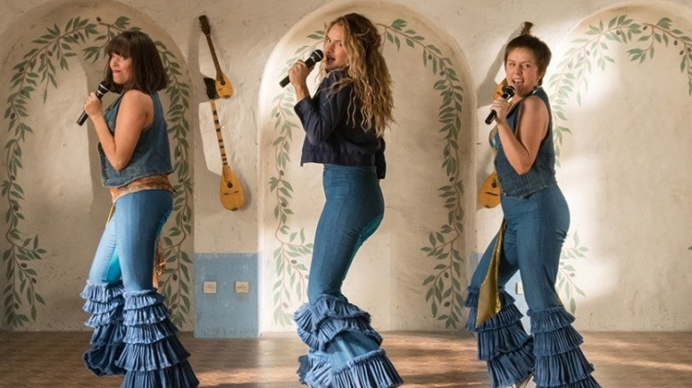 mamma_mia_2_review_fun